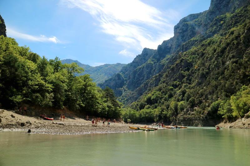 kano of waterfiets huren in Les Gorges du Verdon; fabelachtig mooi stukje Frankrijk - AllinMam.com