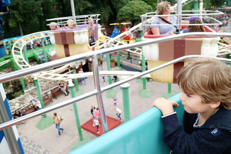 met de kinderen naar julianatoren - AllinMam.com