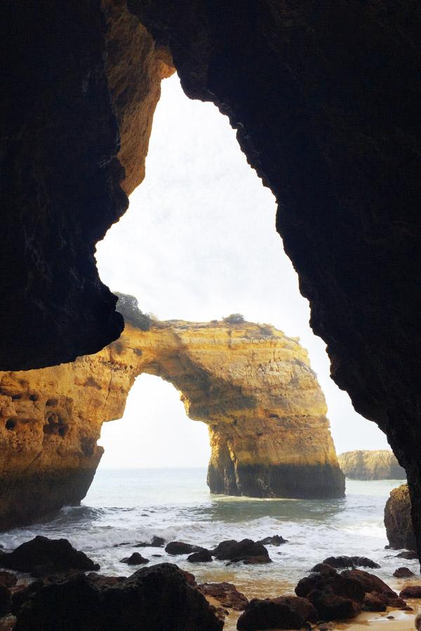 Praia de Albandeira en Estaquinha; verborgen juweeltjes aan de Algarve - AllinMam.com