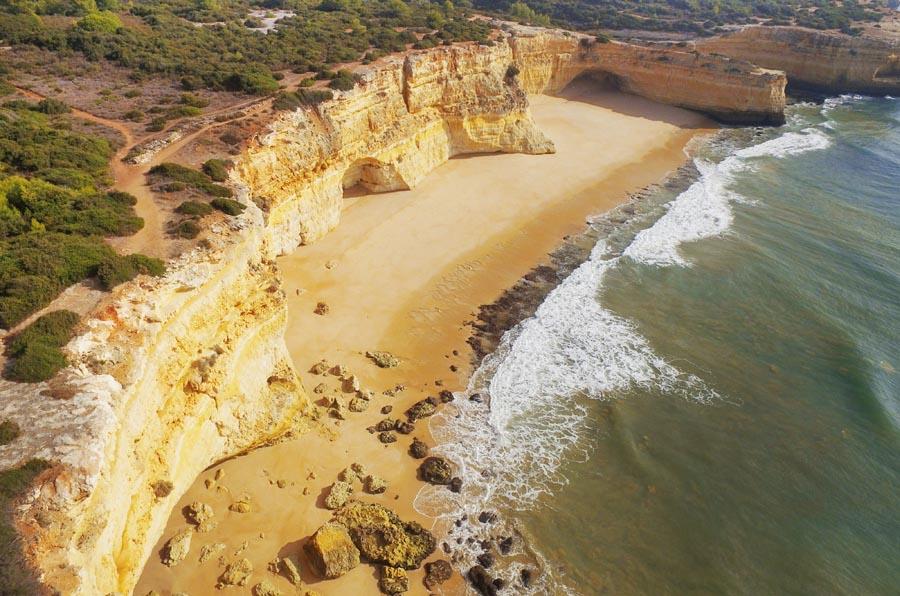 Carvoeiro en haar verborgen plekjes Praia da Malhada do Baraço - AllinMam.com