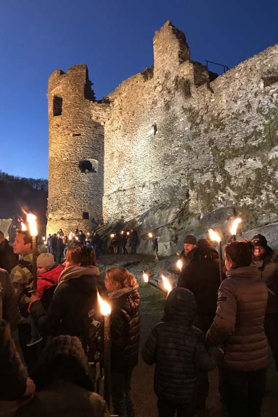 Fakkeltocht in Feodaal kasteel van La Roche en Ardenne - AllinMam.com