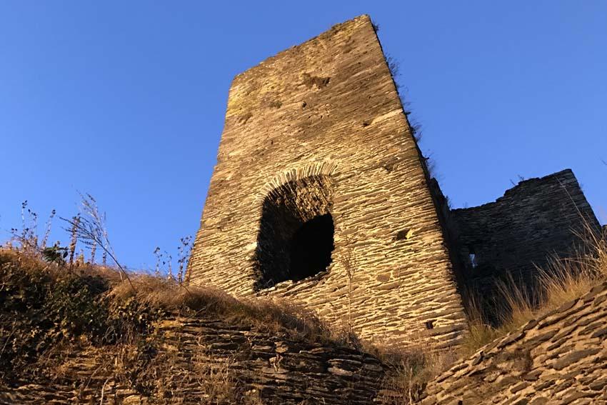 Feodaal kasteel van La Roche en Ardenne - AllinMam.com