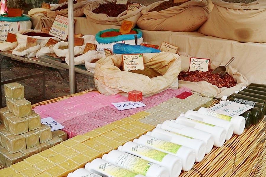 Markt in Aups - AllinMam.com