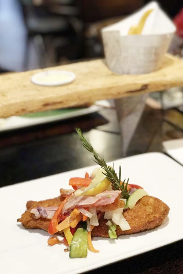 Diner in Café-bistro Woods op Landal Heideheuvel - AllinMam.com