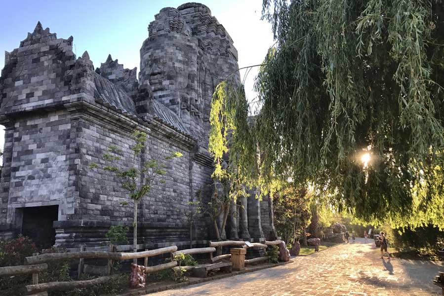 Pairi Daiza Ganesh avondlicht - AllinMam.com