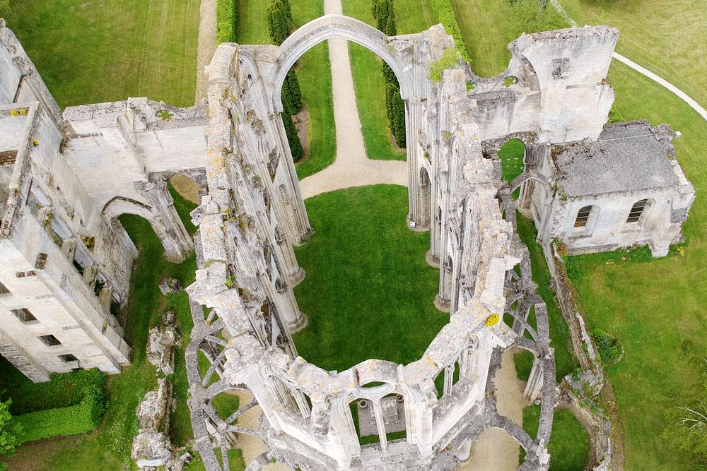 Terug in de tijd: Abbaye Notre-Dame d'Ourscamp in het Franse Picardië - Reislegende.nl