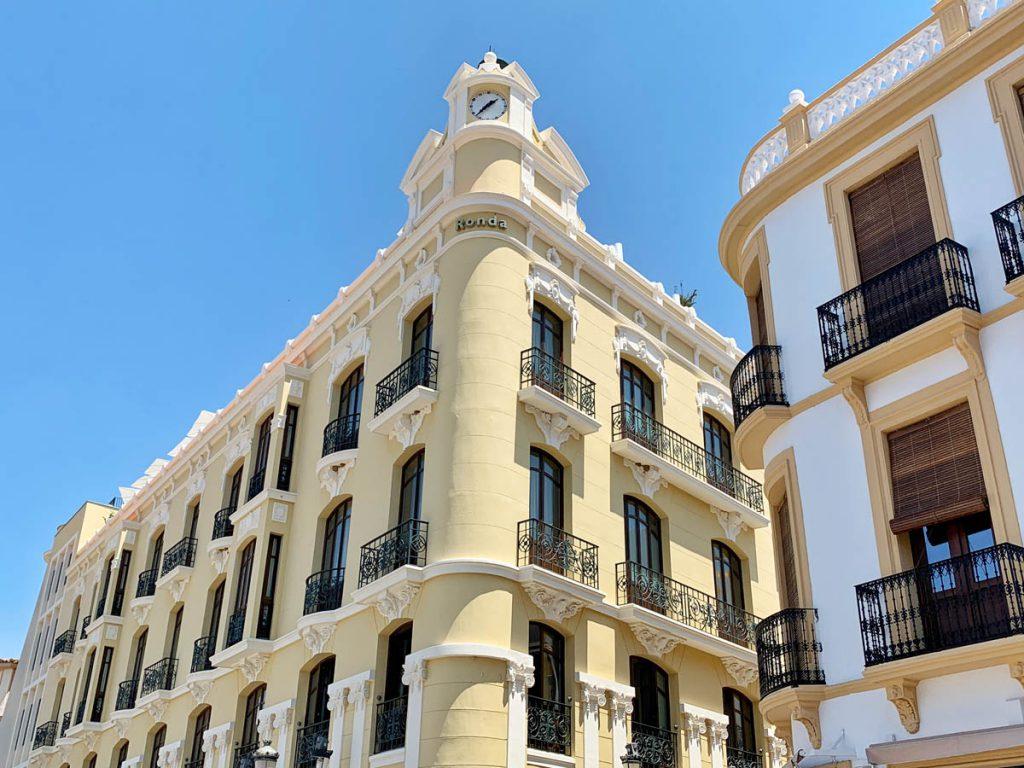 Dakterras van Hotel Catalonia - Wandelroute langs 22 Ronda bezienswaardigheden - Reislegende.nl