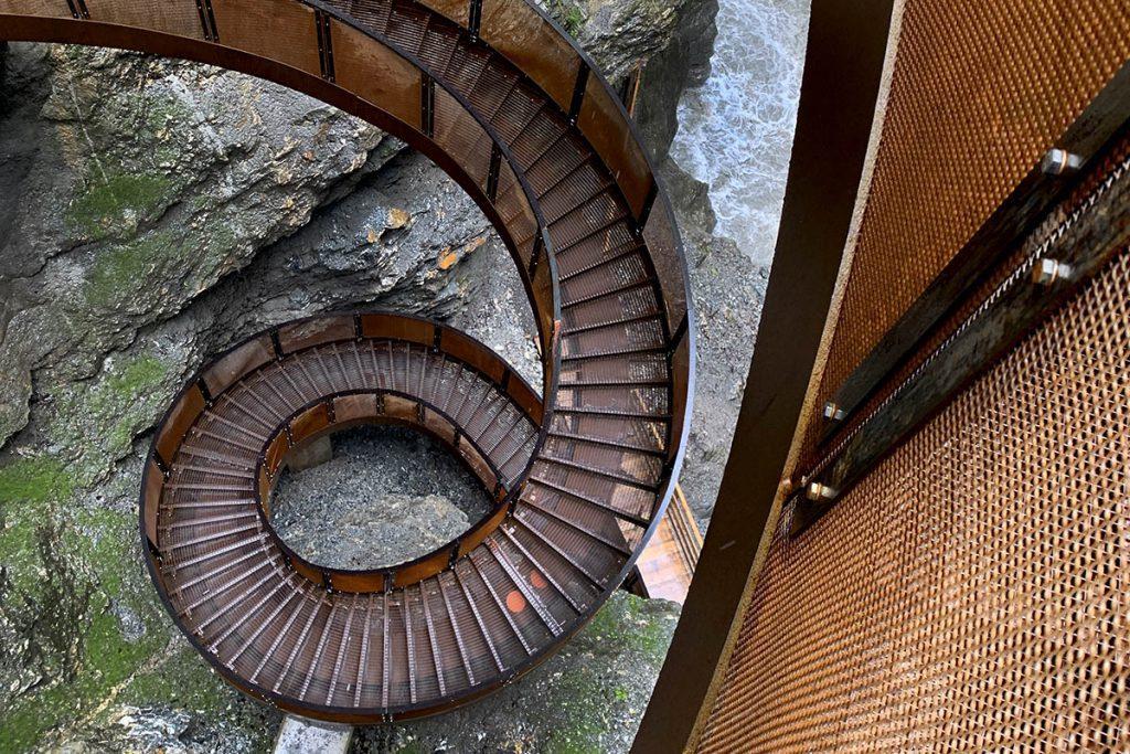 Helix staircase Liechtensteinklamm - Reislegende.nl