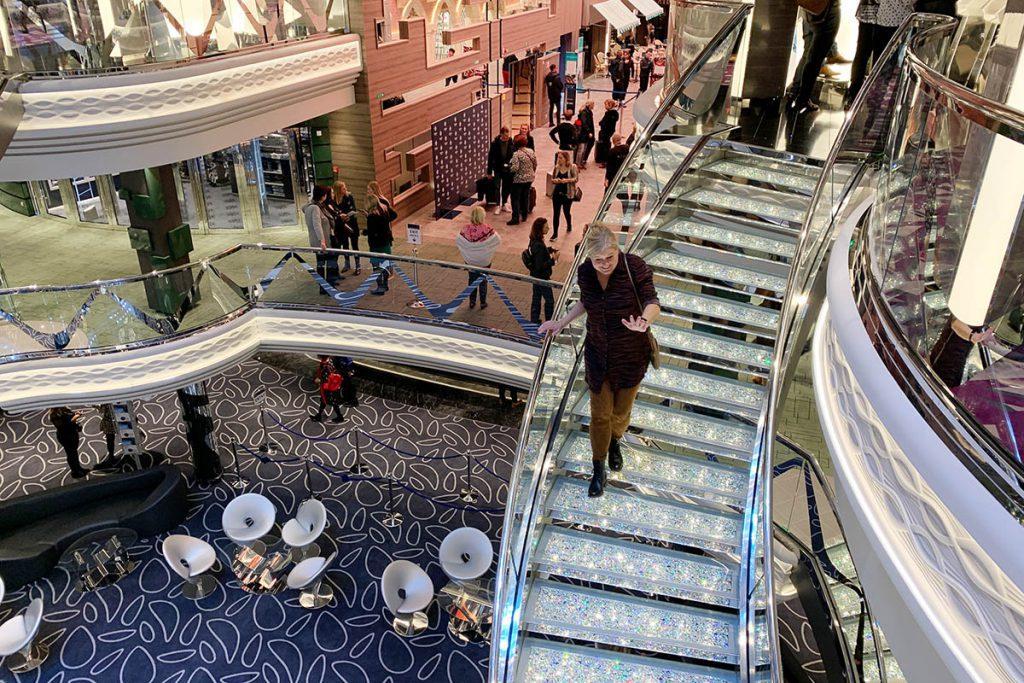 MSC Grandiosa Swarovski trappen - Reislegende.nl