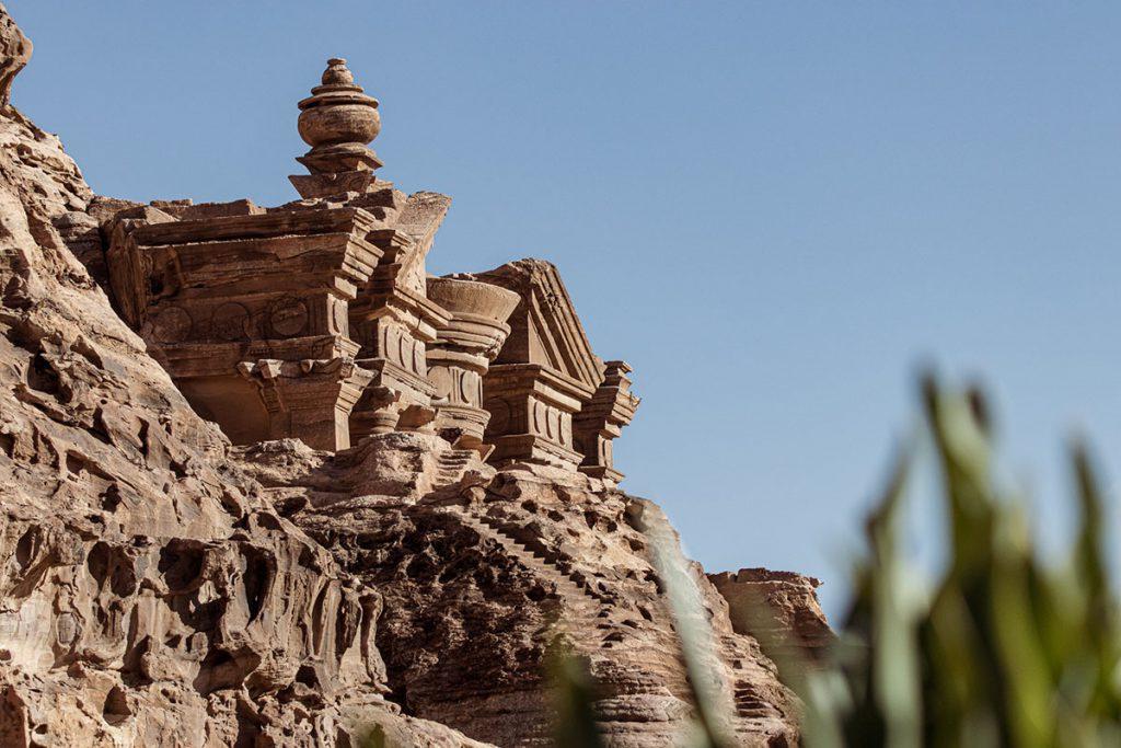 Via de backdoor trail naar Petra in Jordanië - Reislegende.nl