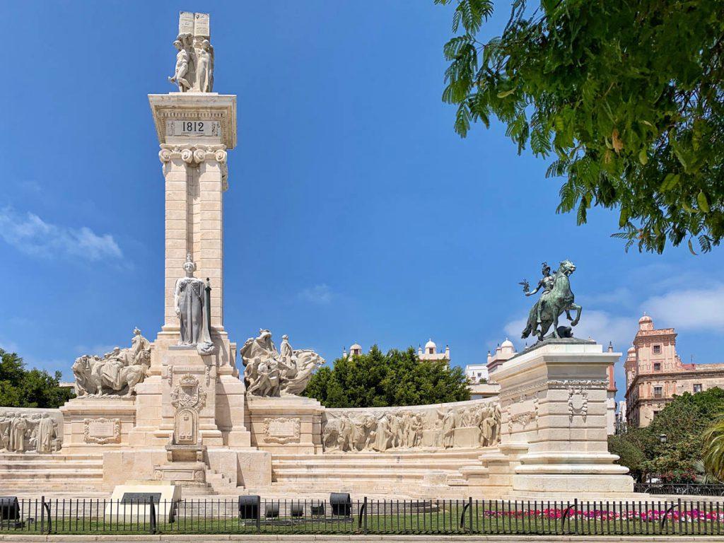 Monumento a la Constitución, Plaza de España - Cadiz bezienswaardigheden en tips - Reislegende.nl
