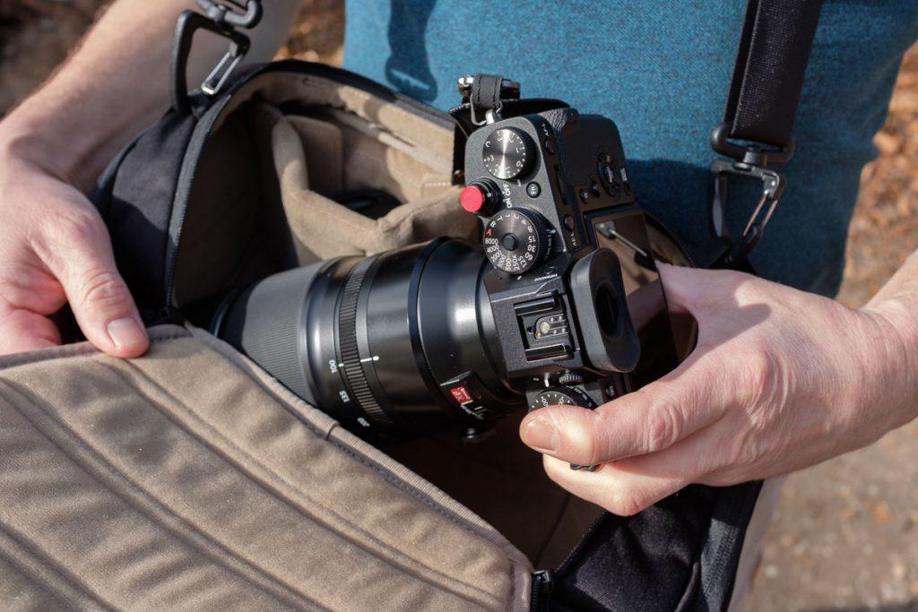 Review Thule Covert DSLR 32L camera insert als tas Thule cocon sling bag - Reislegende.nl