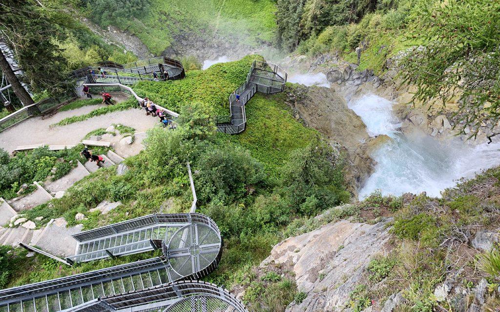 Wandelen naar de Stuibenfall, hoogste waterval in Tirol - Reislegende.nl