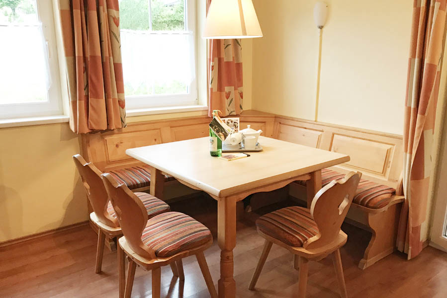 Landal Bad Kleinkirchheim eethoek appartement - AllinMam.com