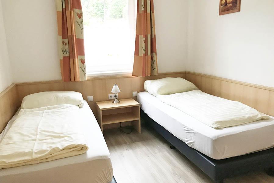 Landal Bad Kleinkirchheim slaapkamer appartement - AllinMam.com