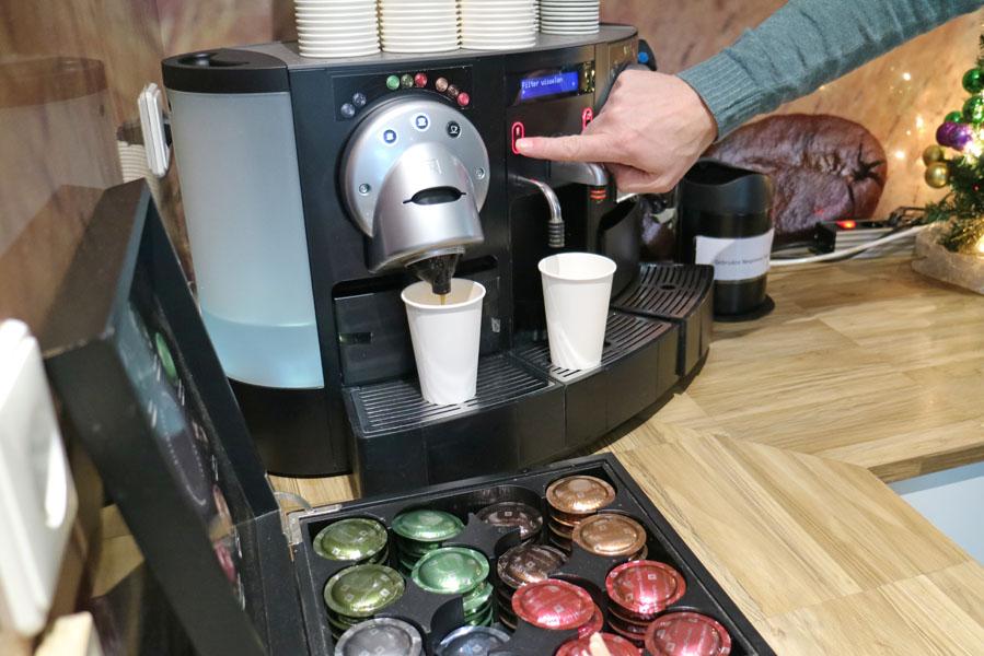Landal Amerongse Berg koffiecorner bij receptie - AllinMam.com