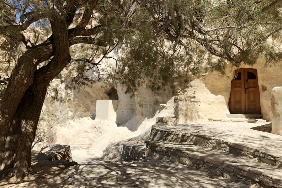 Martsalo beach op Kreta: wandeling door kloof naar verborgen strand panagia church - AllinMam.com