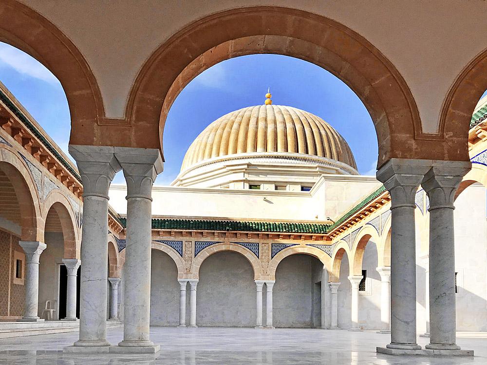 Habib Bourguiba mausoleum in Monastir - Wat te doen in Tunesië - Reislegende.nl
