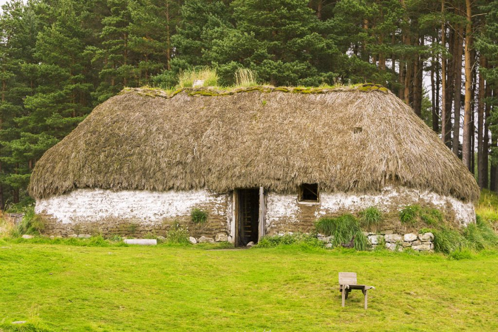 Highland Folk Museum - Outlander filmlocaties - Reislegende.nl