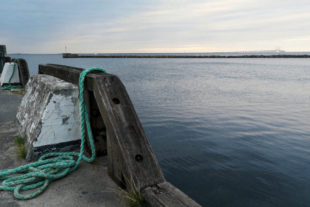 Zicht op Sontbrug vanuit Dragør, Denemarken