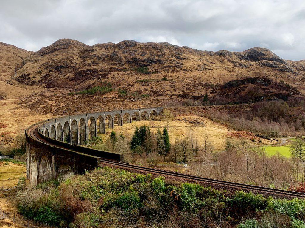 Harry Potter viaduct Schotse hooglanden uitstapjes vanuit Landal Piperdam in Schotland - Reislegende.nl