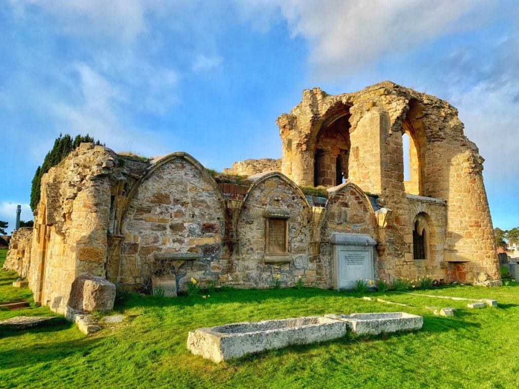 Oude abbey vlakbij Inverness uitstapjes vanuit Landal Piperdam in Schotland - Reislegende.nl