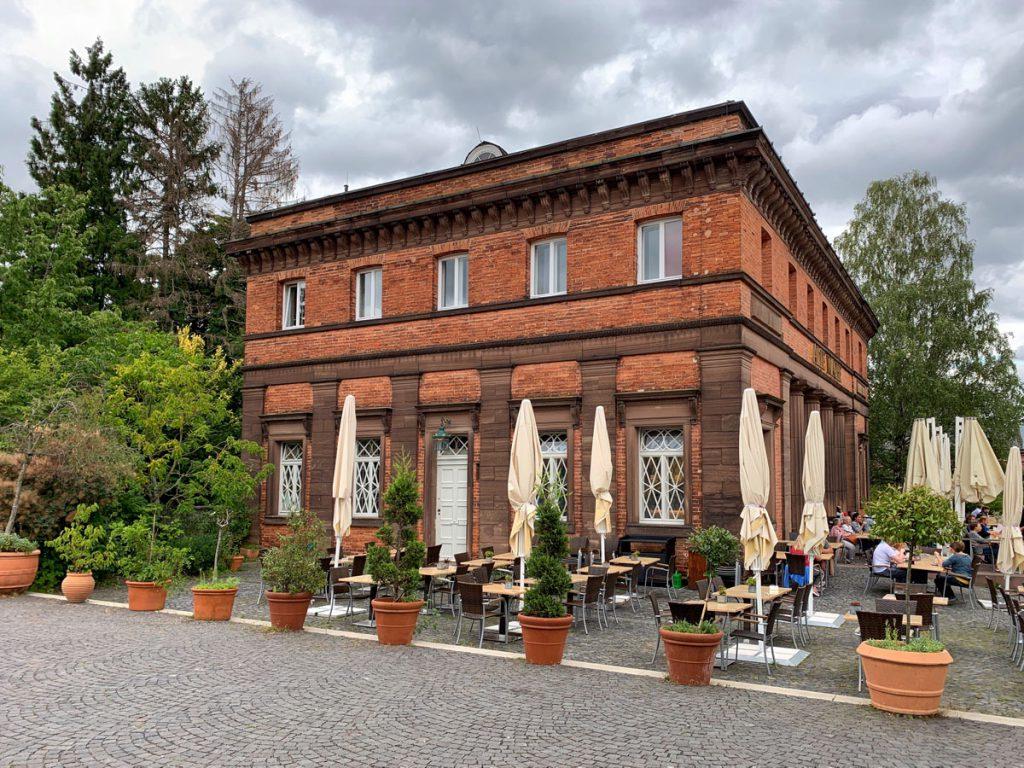 Restaurant Alte Wache - Waterspelen in Kassel, bergpark Wilhelmshöhe - Reislegende.nl