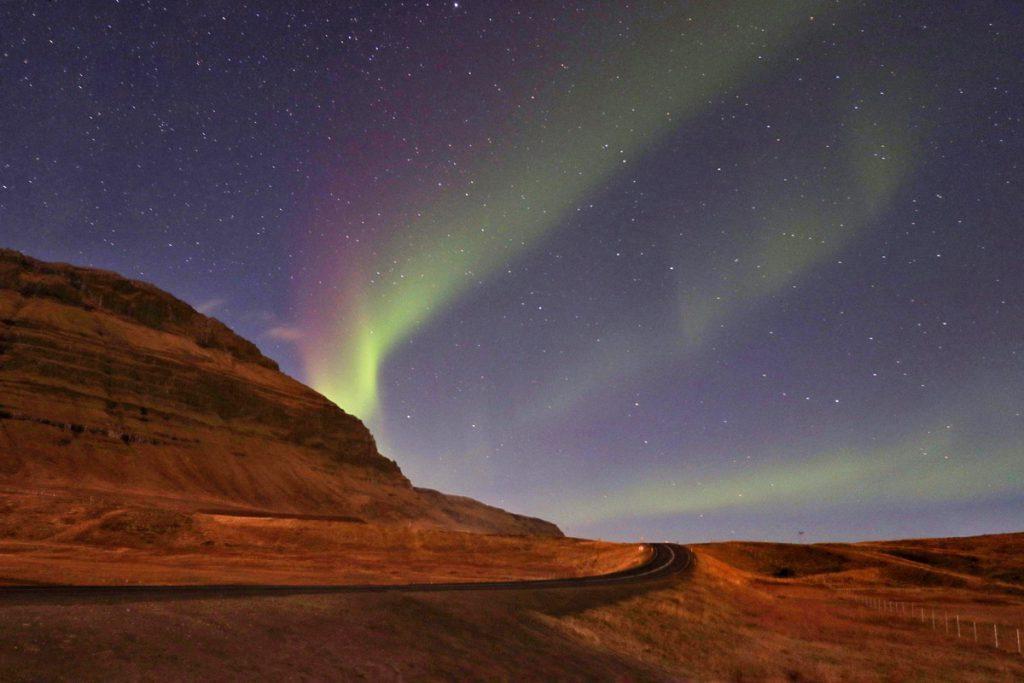 Kirkjufell Aurora Borealis Snaefellsnes IJsland Reislegende - Reislegende.nl