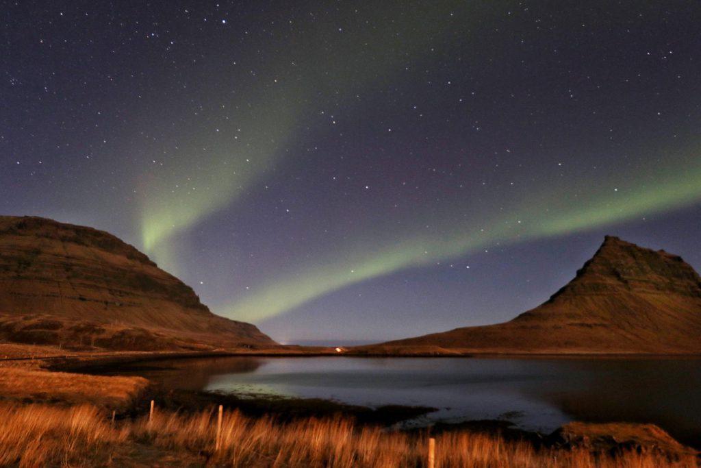 Noorderlicht Kirkjufell Snaefellsnes IJsland, noorderlicht fotograferen tips - Reislegende.nl