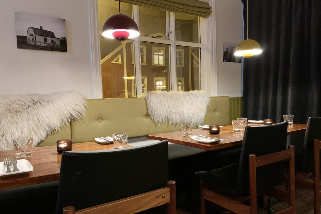 Restaurant Narfeyrarstofa Stykkishólmur Snaefellsnes IJsland Reislegende - Reislegende.nl