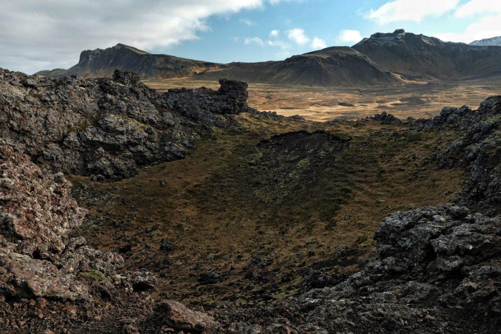 Saxhóll krater op Snaefellsnes in IJsland Reislegende - Reislegende.nl