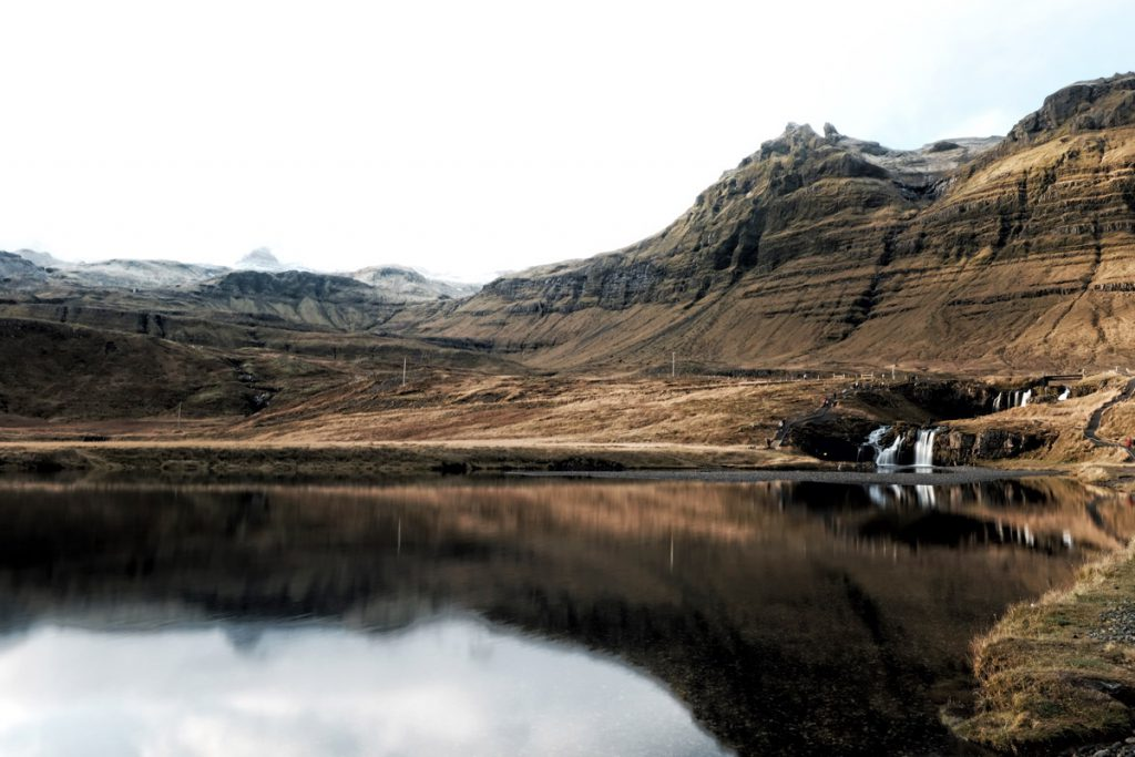 Snaefellsness highlights Kirkjufellsfoss tip voor roadtrip op schiereiland IJsland Reislegende - Reislegende.nl