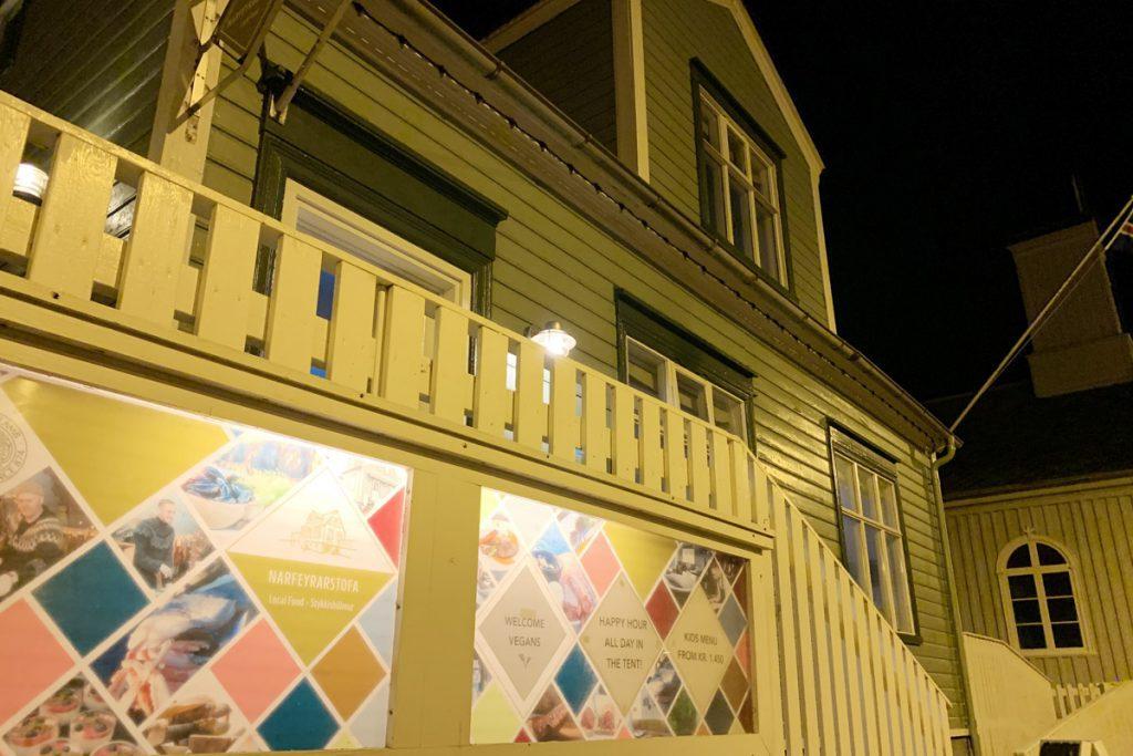 Stykkishólmur Restaurant Narfeyrarstofa Snaefellsnes IJsland Reislegende - Reislegende.nl