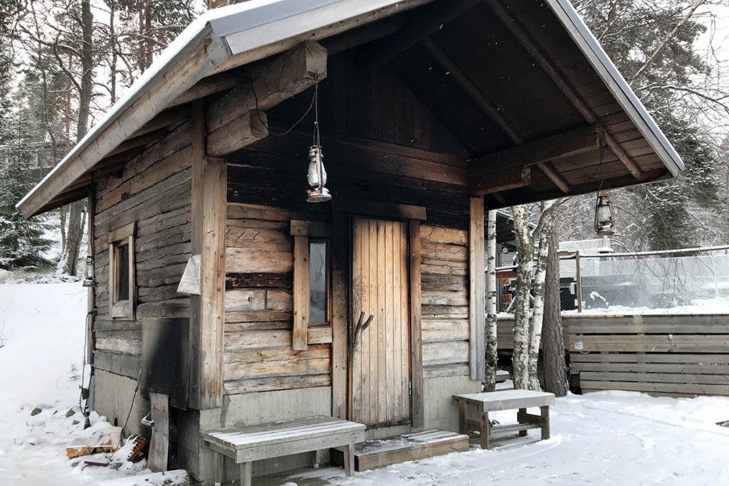 Finse rooksauna Lakeland - Sauna Finland - Reislegende.nl