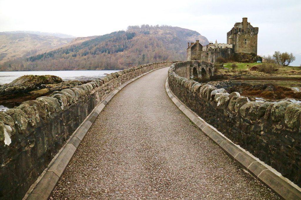 Eilean Donan Castle, route van Edinburgh naar Isle of Skye - Reislegende.nl