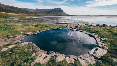 Mooiste hot pools in de Westfjorden van IJsland - Birkimelur / Krosslaug, Westfjords - Reislegende.nl