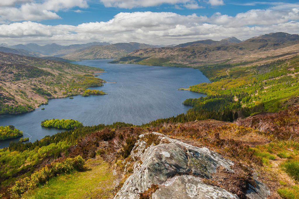 Loch Katrine - Bezoek deze Outlander filmlocaties in Schotland - Reislegende.nl