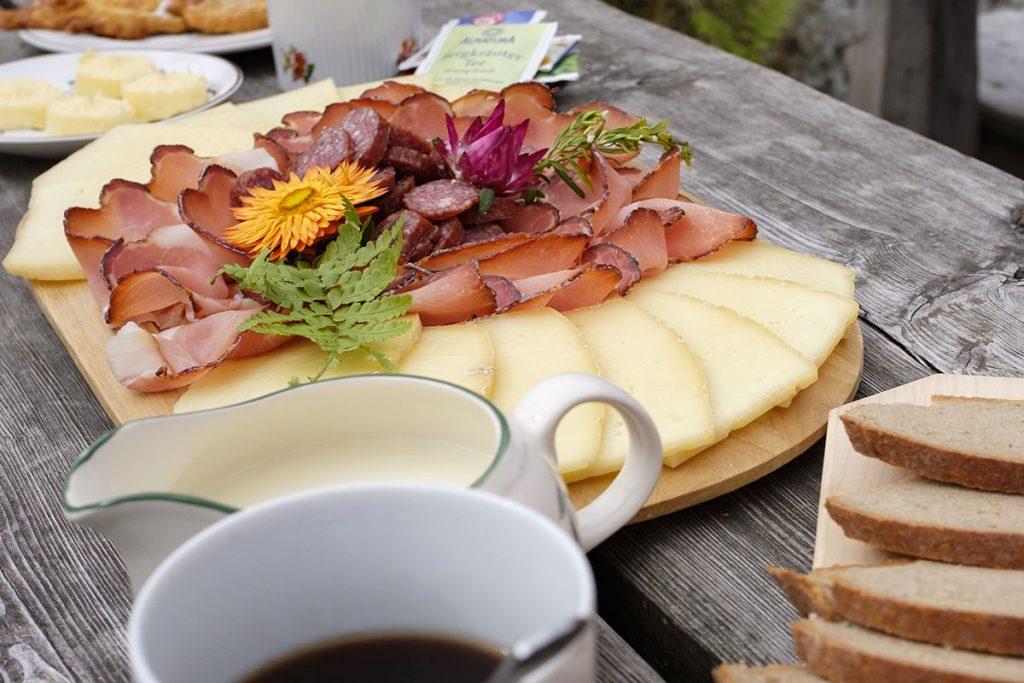 Ontbijten in Pottinger Hütte, Sportgastein Nassfeld, verborgen juweeltje in Gastein - Reislegende.nl