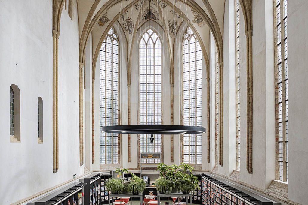 Broederenkerk bibliotheek - 23 tips en bezienswaardigheden in Zutphen - Reislegende.nl