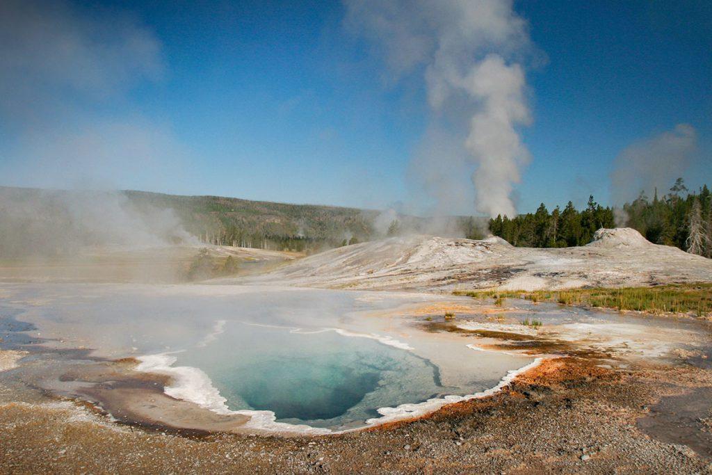 Upper Geyser Basin - Yellowstone National Park: 10x wat je niet mag missen - Reislegende.nl
