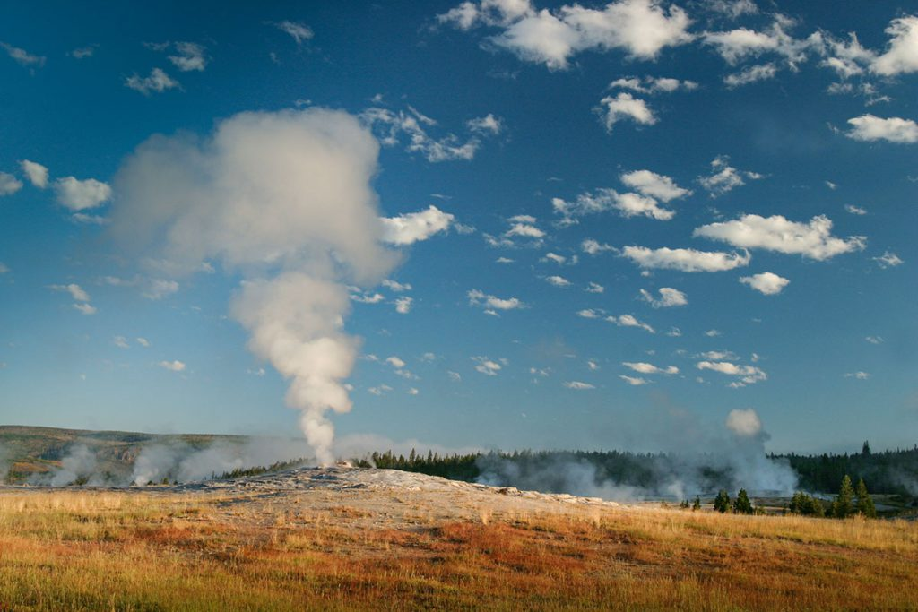 Old Faithful in rest, Yellowstone - Yellowstone National Park: 10x wat je niet mag missen - Reislegende.nl