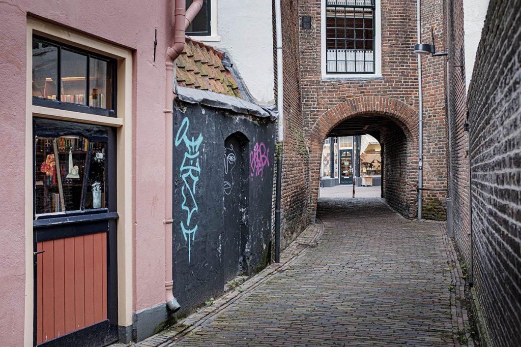 Rosmolensteeg - 23 tips en bezienswaardigheden in Zutphen - Reislegende.nl