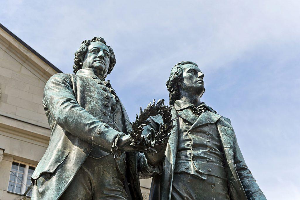 Goethe en Schiller monument, Weimar bezienswaardigheden en tips in Thüringen - Reislegende.nl