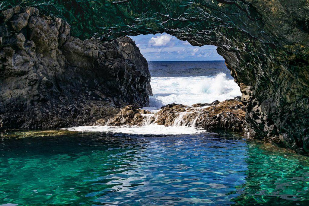 Charco Azul, El Hierro - De leukste hotspots voor een vakantie op de Canarische Eilanden - Reislegende.nl
